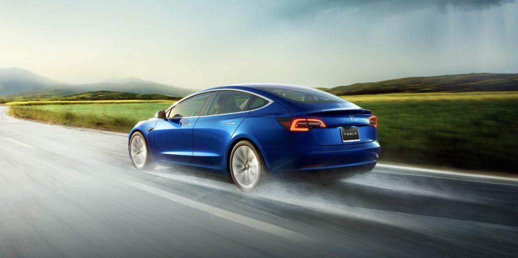 Tesla-Model-3-hero-e1540462426728